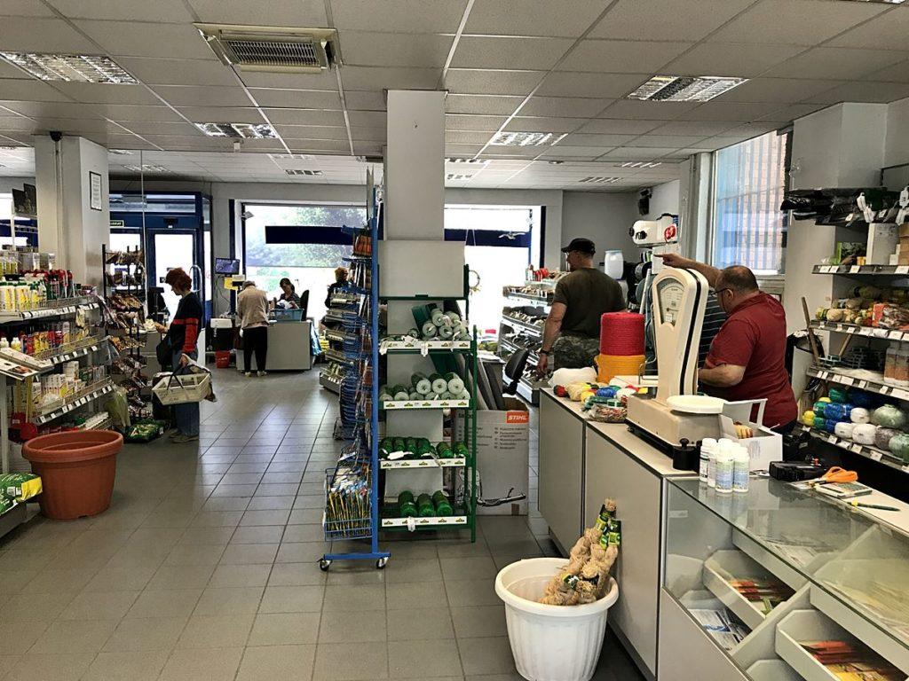 mezőgazdasági bolt Székesfehérváron