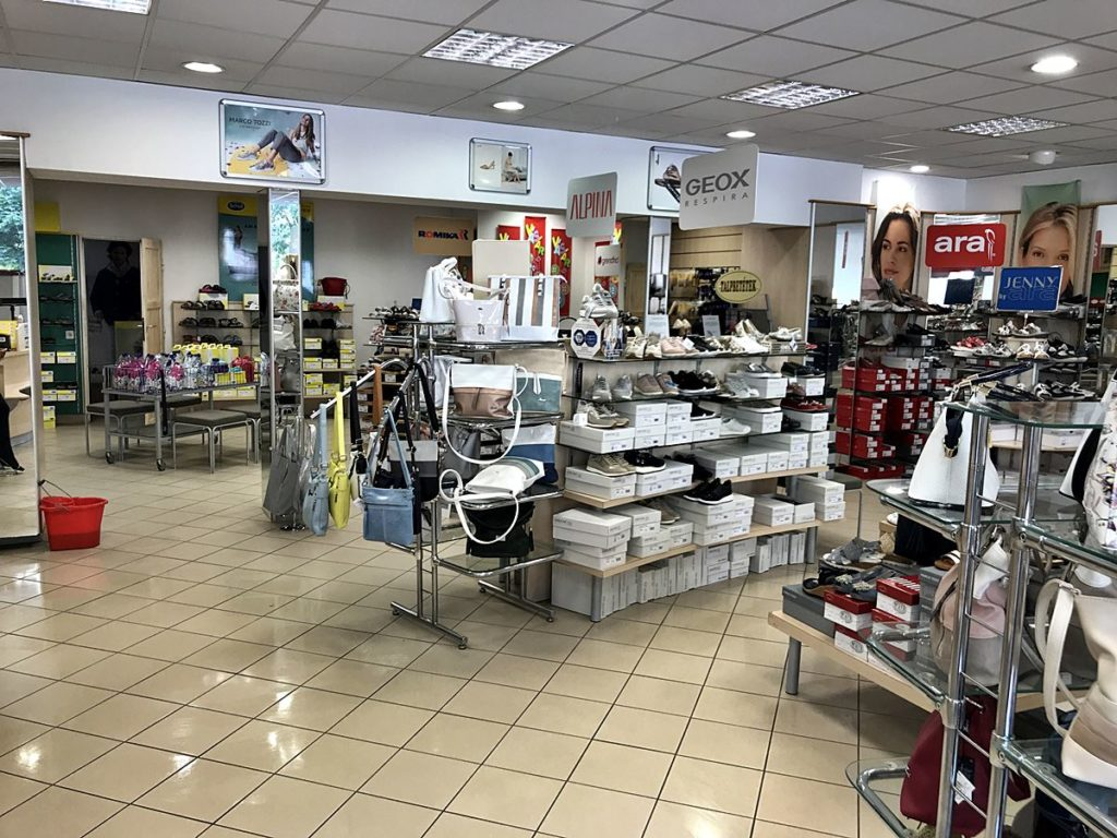 TIP-TOP cipőbolt Székesfehérvár Fő utcáján